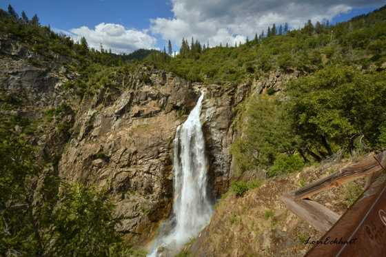 Rescuers search for fallen hiker at California waterfall