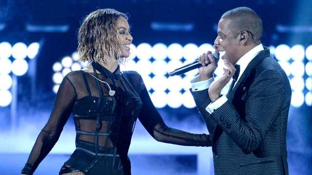 Just as they did with their six-year dating relationship, Beyonce and Jay-Z took the same hush-hush approach with their April 4, 2008, nuptials. The pair got married in Jay-Z's posh Manhattan apartment with a guest list of about 30 people.