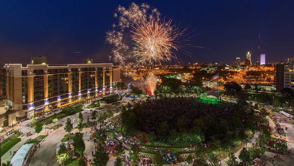 21 Midtown Crossing fireworks.jpg