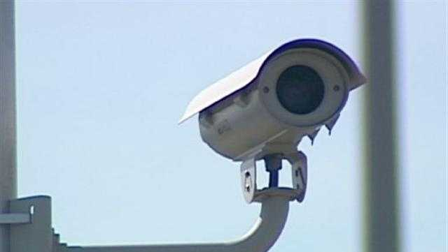 Petition Targets KC's Red Light Cameras - 29176364