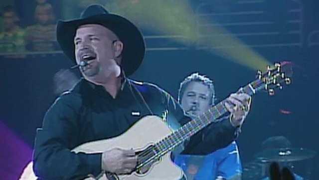 Garth Brooks in concert, Sprint Center - 14528626