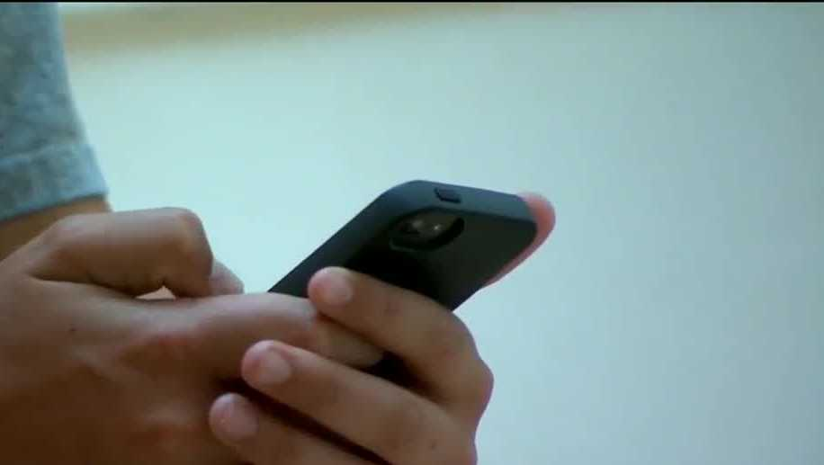 Should sexting be legal for teens? Gov. Martinez could decide any day now, and parents that spoke with Action 7 News are split on whether they want her to.