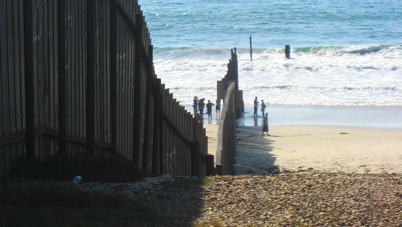 San Diego border