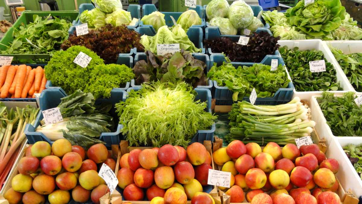 A diet high in fruits vegetables and fish may help fight for Fish and veggie diet