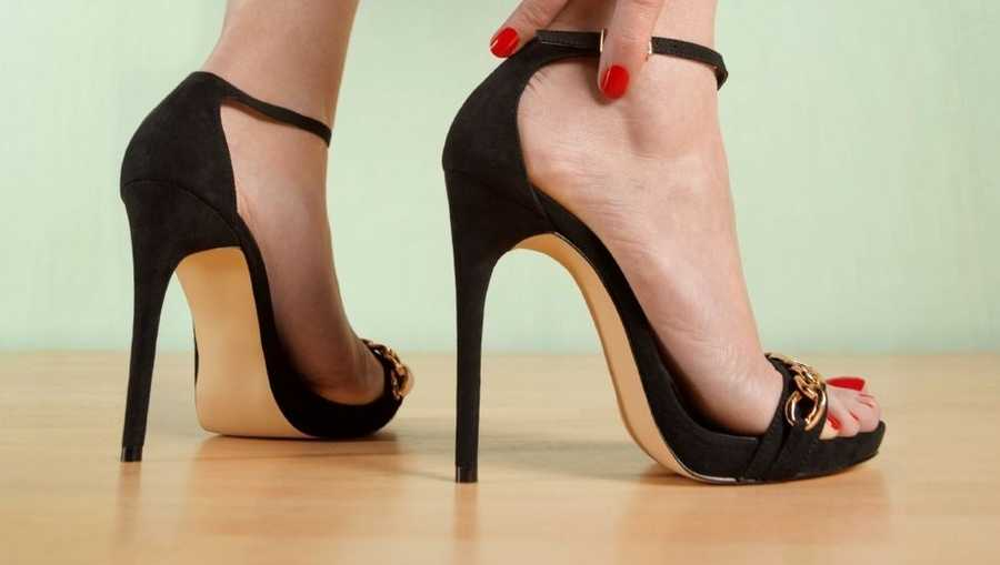 high heels for infants sparks controversy online. Black Bedroom Furniture Sets. Home Design Ideas