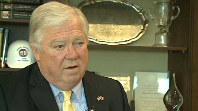 Former Republican Mississippi governor arrested at airport checkpoint with loaded handgun