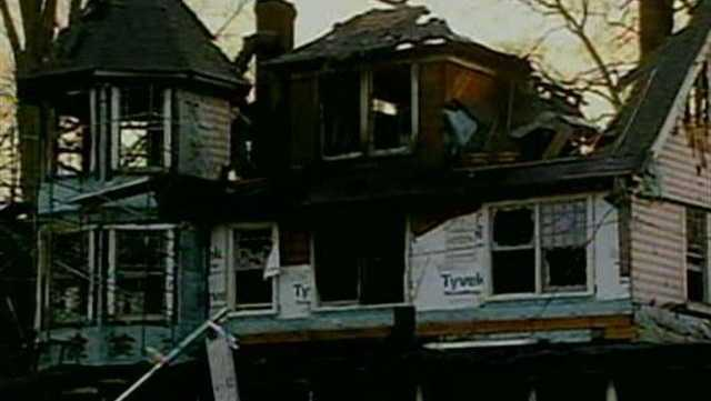 5 Dead In Christmas Fire In Conn.