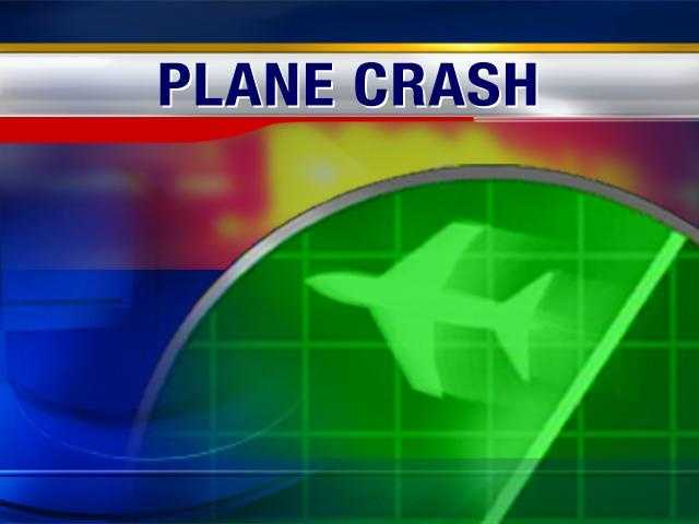 2 killed when plane crashes in Connecticut woods