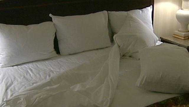 Hotel Bed 1 - 28334651