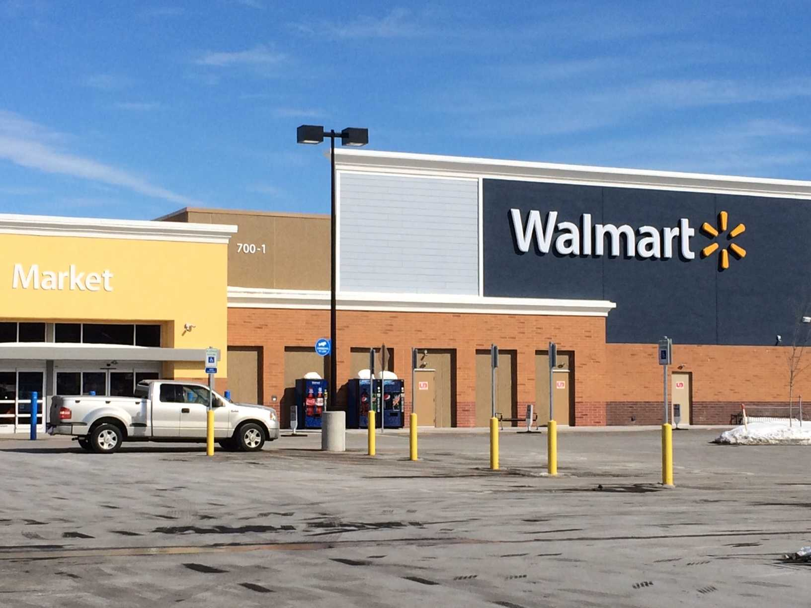 Walmart stores reduce Christmas Eve hours