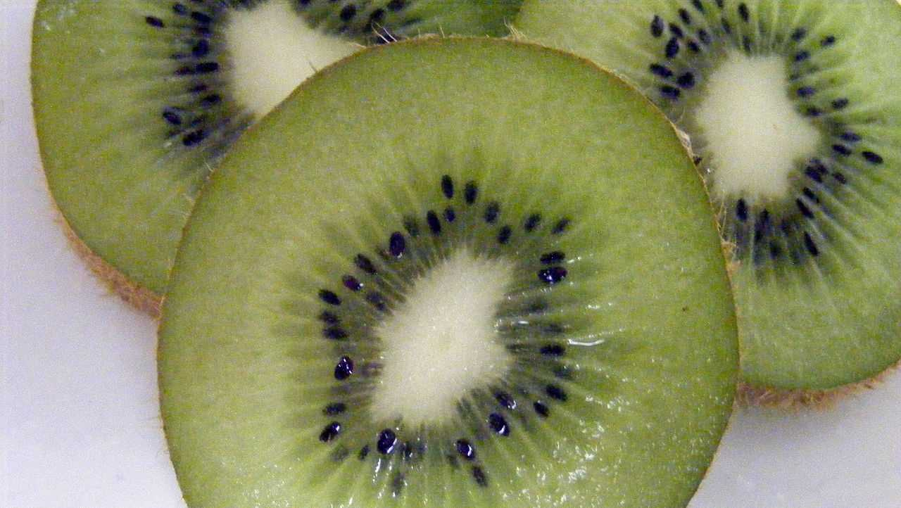 Kiwi:Kiwi also contains high amounts of Vitamin C, which help fight against macular degeneration.