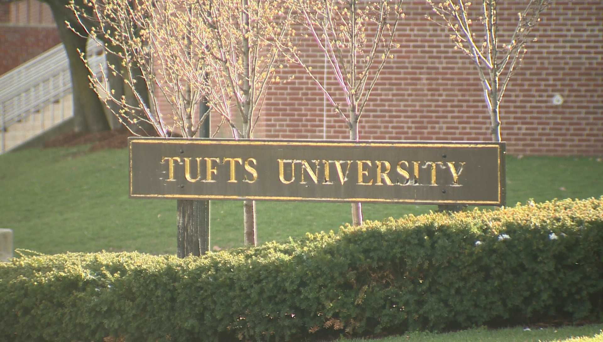 Tufts Postpones Anthony Scaramucci Event Over Lawsuit Threats