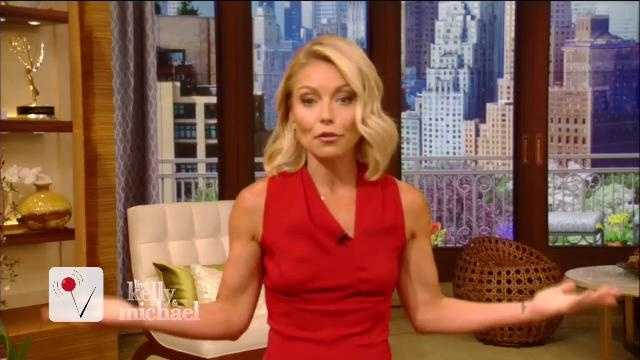 """Live with Kelly &amp&#x3B; Michael"" is fully living up to its name for the first time in nearly a week. Veuer has Kelly Ripa's return and what she had to say about her absence after her co-host was named to GMA"