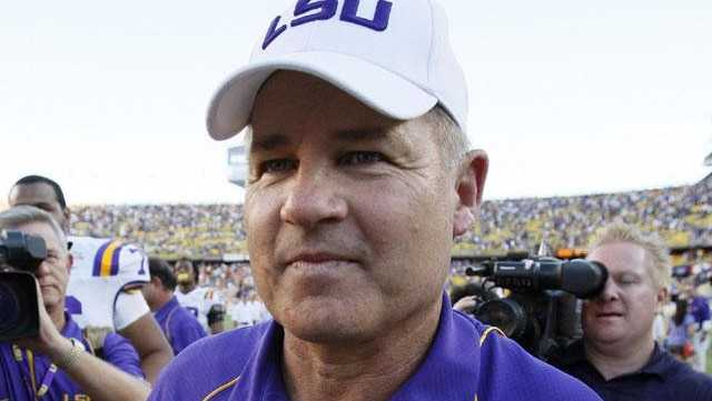 LSU head football coach Les Miles