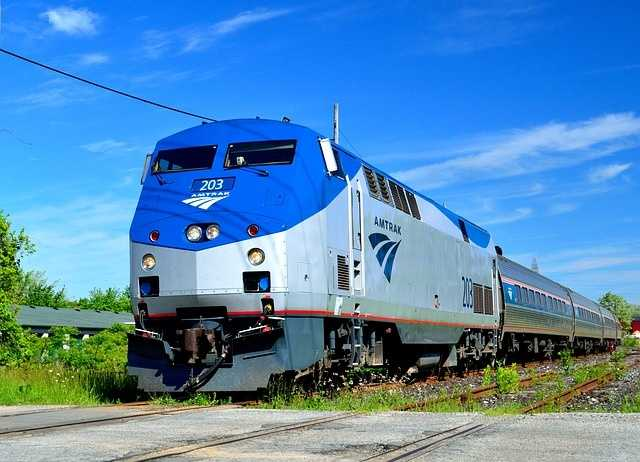 Amtrak suspends Northeast Corridor service amid nor'easter