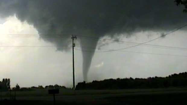 novak video oakfield tornado 071896-1.jpg