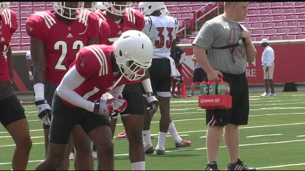 The University of Louisville football team held an open practice at Papa John's Cardinal Stadium on Sunday.