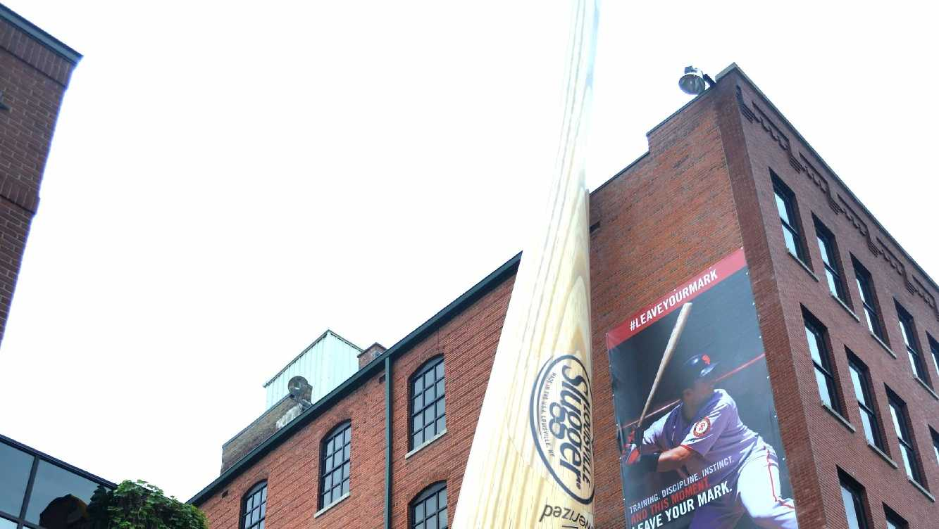 Louisville Slugger Museum - Whether you get your picture taken in front of giant bat, see how Slugger bats are made, or take a swing at the indoor batting cages, the Louisville Slugger Museum could be a home run date idea.Click here for more information