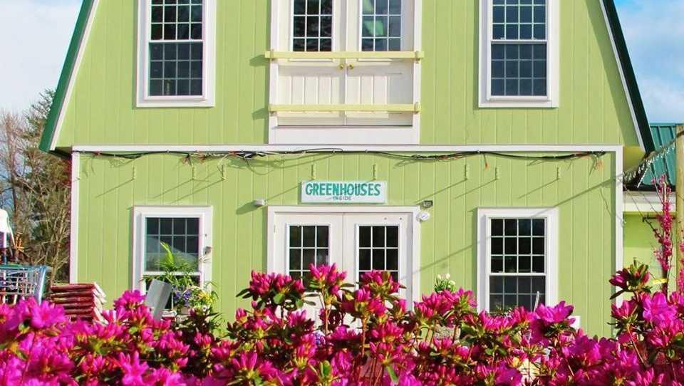 3. Lake Street Garden Center in Salem