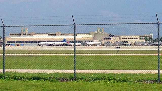5 charged in $5.2M Miami airport lighting fraud case