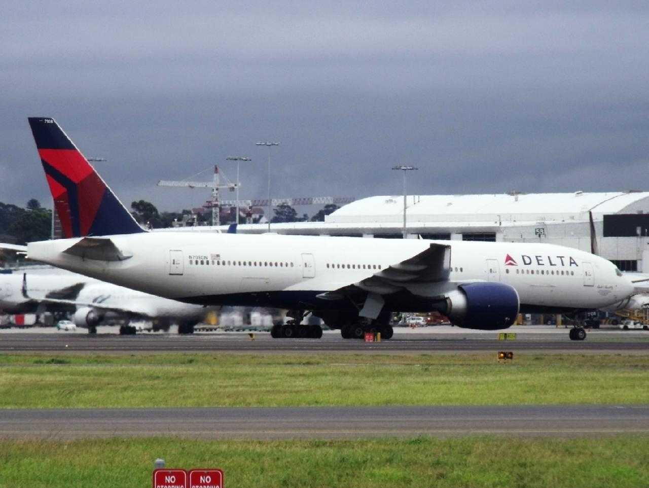 Seattle Delta flight turns around after passenger assaults attendant