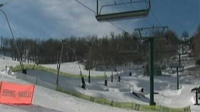 SNOW AT SEVEN SPRINGS - 30422102