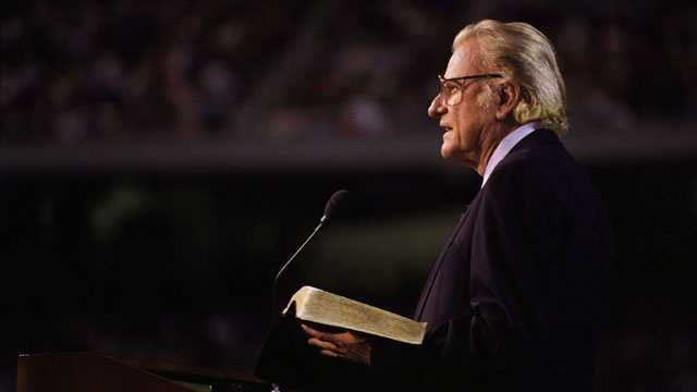 Mourners filling tent for Billy Graham funeral