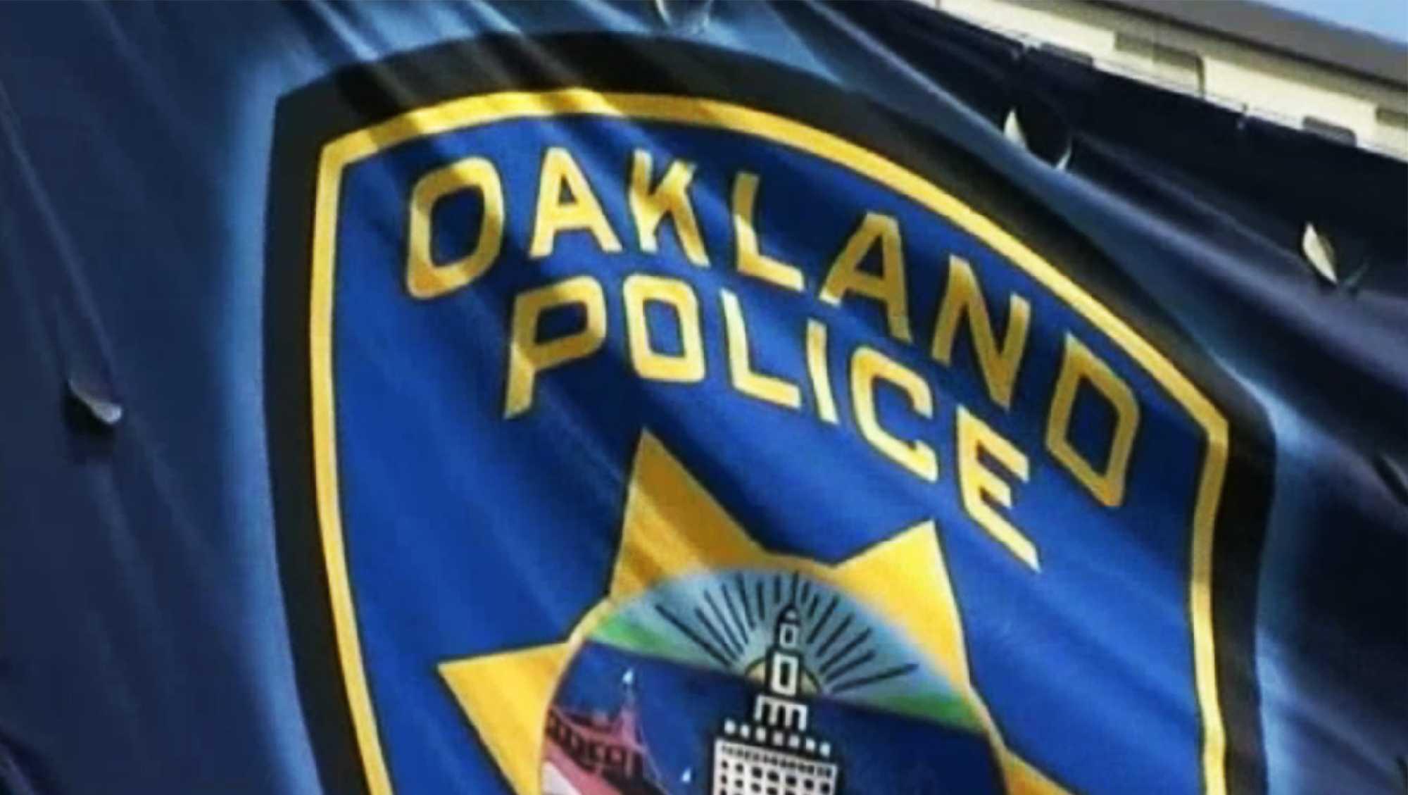 oakland police.jpg