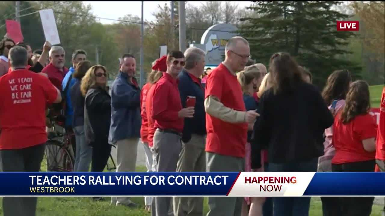 Westbrook teachers rally for new contract