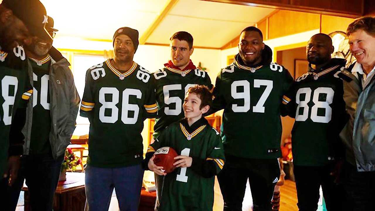 Packers surprise 11-year-old cancer survivor