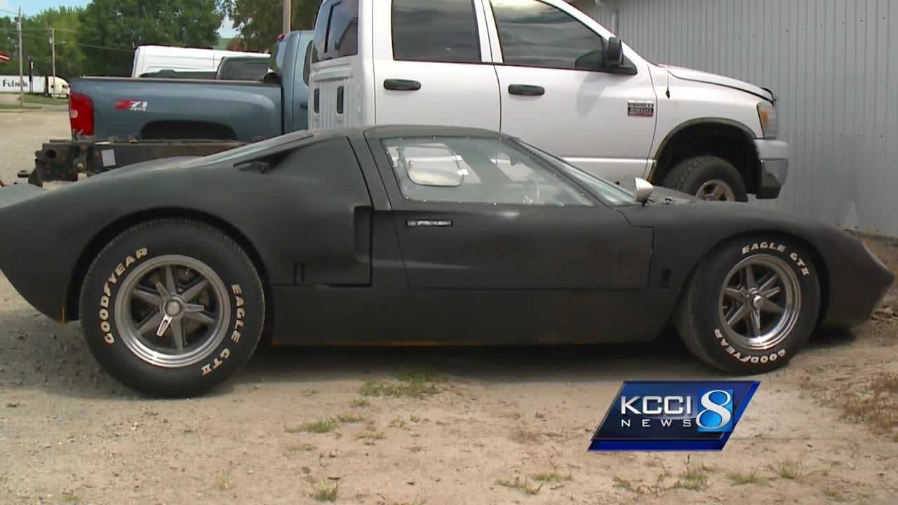 & Police say thief used bad paint job to hide stolen eye-catching car markmcfarlin.com