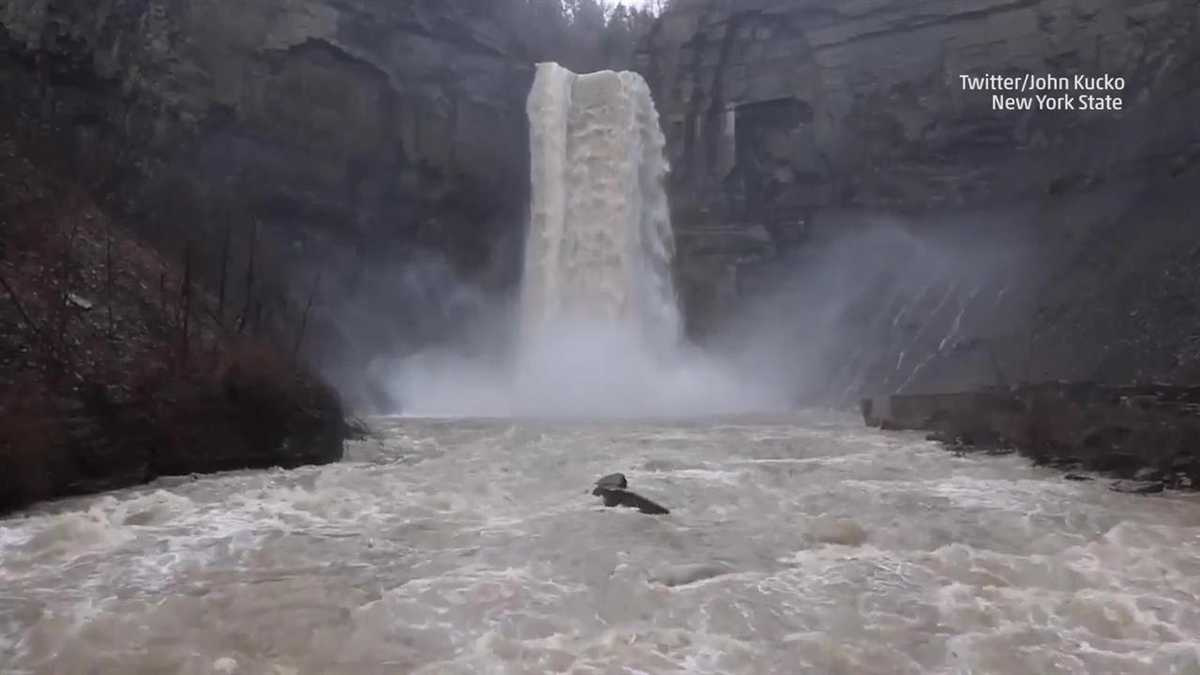 This is the best time of year to visit waterfalls in new york for Best time to see new york