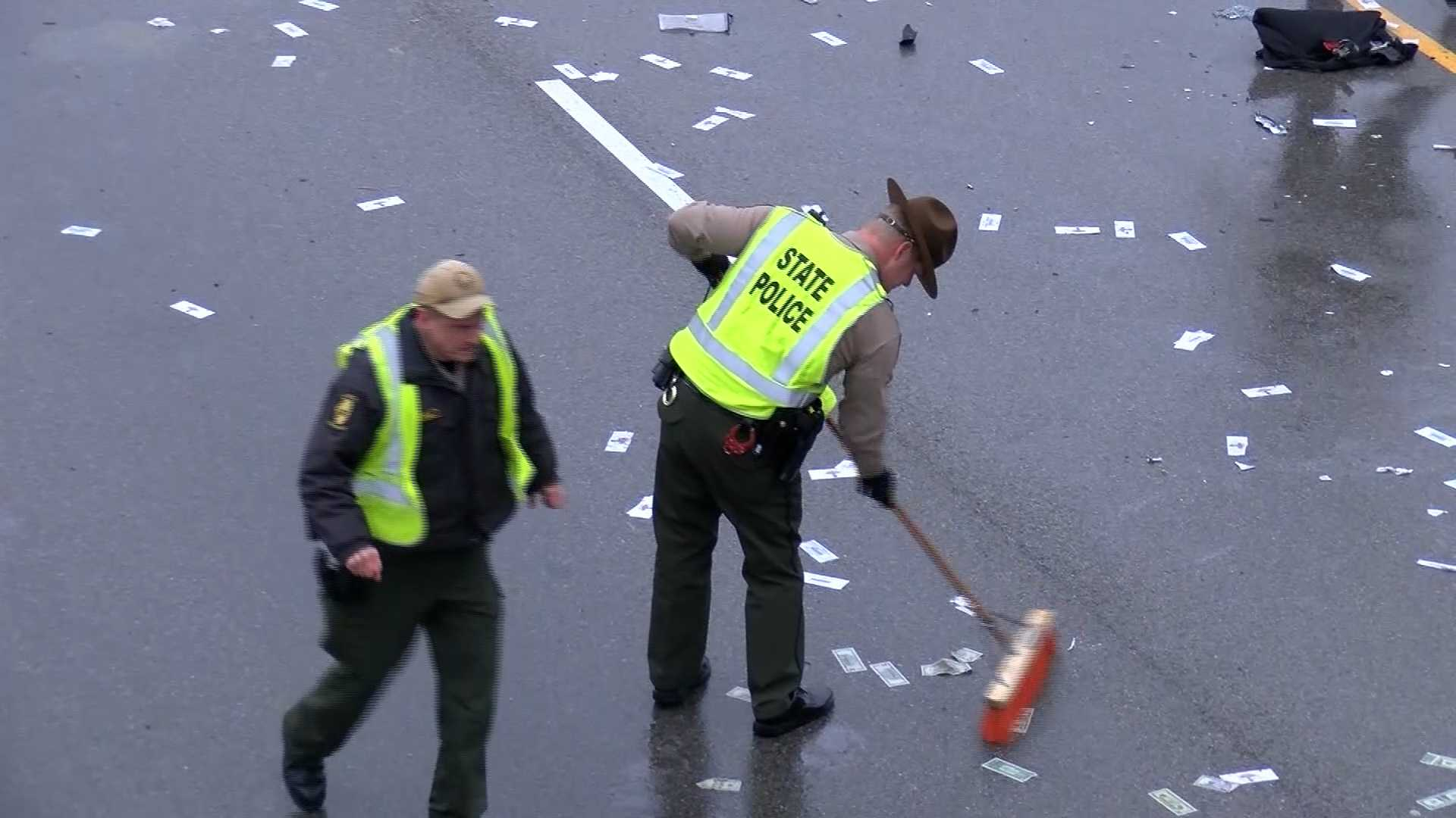 Illinois highway littered with cash after car accident - Sacramento