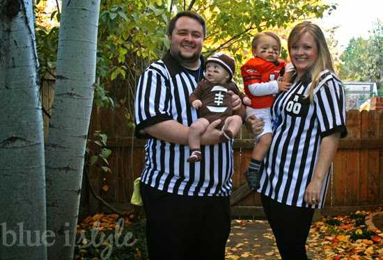 30 best family halloween costumes 2016 cute ideas for themed costumes for families - Family Halloween Costumes For 4