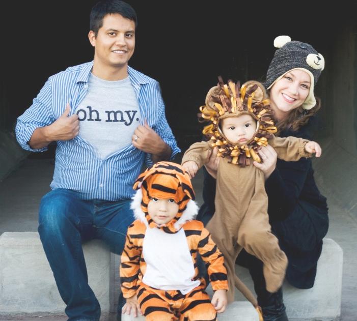 30 Best Family Halloween Costumes 2016 - Cute Ideas for Themed ...